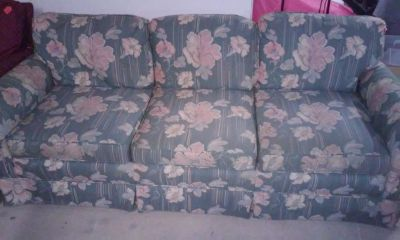 vintage flower couch