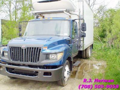 2012 Navistar Terrastar 16 ft (NON-CDL) Refrigerated Straight Truck