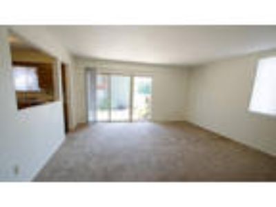 2 BR Rental Shawnee Mission KS
