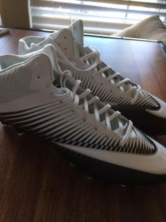 New Men's cleats size 13