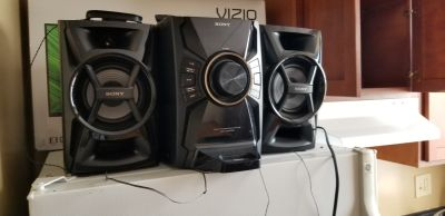 Sony cd player with ipod dock and remote