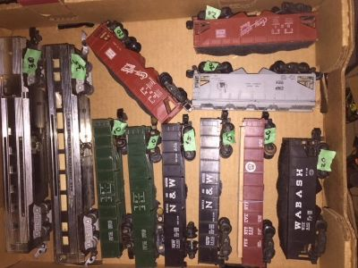 Vintage American Flyer Train Cars and Caboose's