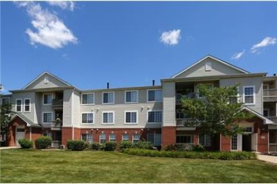 2 bedrooms Apartment - NOW TO SCHEDULE YOUR VERY OWN, PERSONAL. Parking Available!