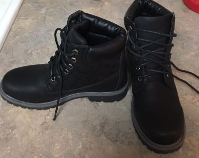 Ladies Boots Size 7 1/2 NWOT! Never worn! $12!