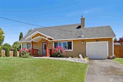 19018 32nd Ave S Seatac Four BR, Light filled home with plenty