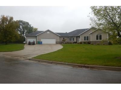 4 Bed Preforeclosure Property in Owatonna, MN 55060 - Lemond Pl