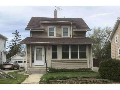 3 Bed 1.5 Bath Foreclosure Property in Waukesha, WI 53186 - Frame Ave