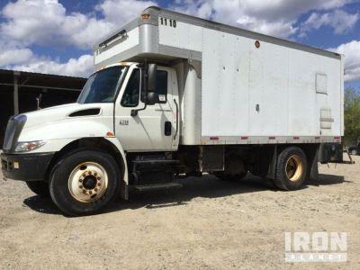 2005 International 4300 S/A Service Truck