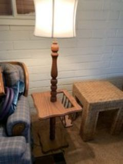 Oak Floor Lamp w/End Table & Magazine Slot