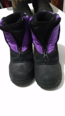 Girls Winter boots, size 11