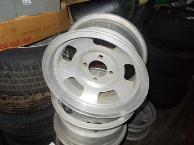 MANY SETS OF VINTAGE ALUMINUM WHEELS
