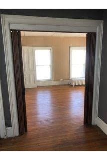 Village of Frankfort 2 Bedroom Upper Flat