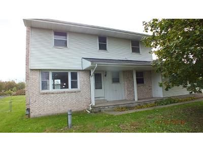 4 Bed 2.5 Bath Foreclosure Property in Temperance, MI 48182 - E Sterns Rd