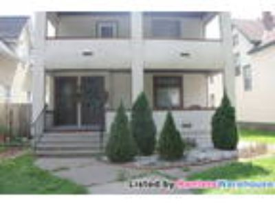 Beautiful Spacious Two BR Duplex! Avail Now!!