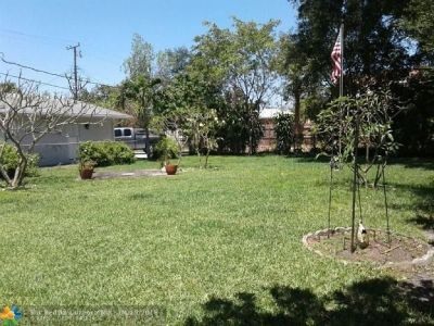 2 BEDROOM 1 BATHROOM HOME LOCATED IN BEAUTIFUL COMMUNITY.