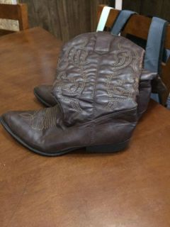 Boots 9W