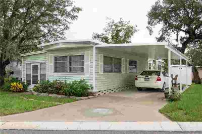 809 Frances Drive TARPON SPRINGS, WELL MAINTAINED Two BR