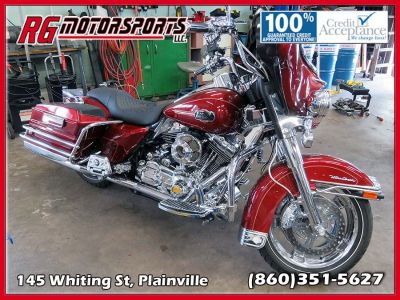 2010 Harley-Davidson Ultra Classic Motorcycle (red)