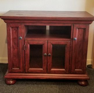 Broyhill Media Stand, Heavy wood-SUPERB condition
