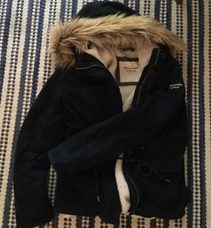Women's large navy blue coat, super warm! Abercrombie and fitch