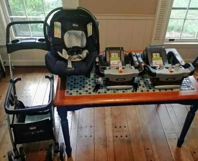 Chicco Keyfit 30 Car Seat, 2 bases and stroller