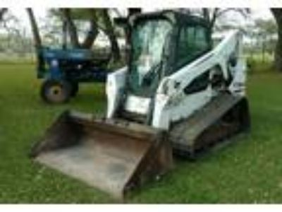 2010 Bobcat T650-Multi-Terrain-Loader Equipment in Van Vleck, TX