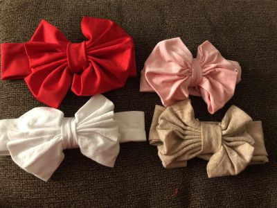 Messy bows! Size 1-2yr old