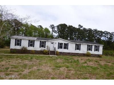 4 Bed 2 Bath Foreclosure Property in Swansboro, NC 28584 - Queens Creek Rd