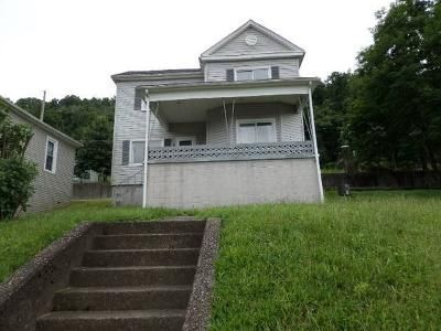 3 Bed 1 Bath Foreclosure Property in Bellaire, OH 43906 - W 23rd St