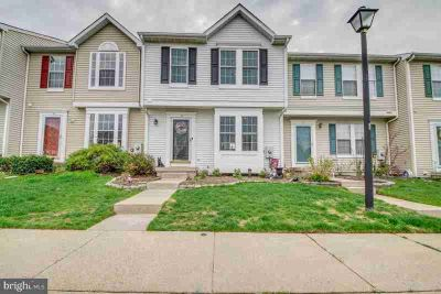 33 Pinehurst CT BLACKWOOD Two BR, Absolutely GORGEOUS town home