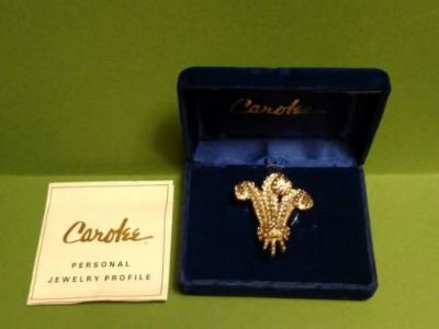 carolee duchess of windsor triple feather plume crystal brooch pin boxed