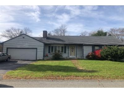 3 Bed 1.5 Bath Preforeclosure Property in Fall River, MA 02720 - Joseph Dr