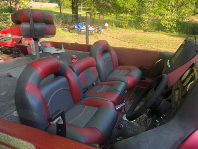 21' nitro bass boat with 250 EFI motor with 249 hrs on the motor. New nitro bass boat seats, tw...