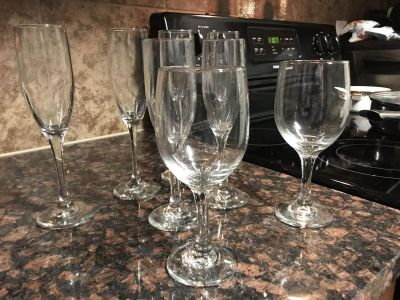 4 tall/2 short Champagne chutes and 2 wine glasses