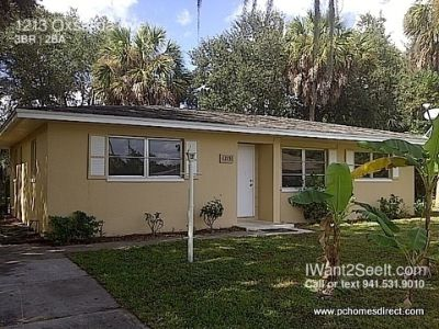 """Don't hesitate! An adorable 3/2 in """"Old Florida"""" setting..."""
