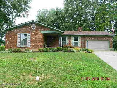 5614 Tall Oaks Ct LOUISVILLE, ROOMY BRICK HOME featuring 3