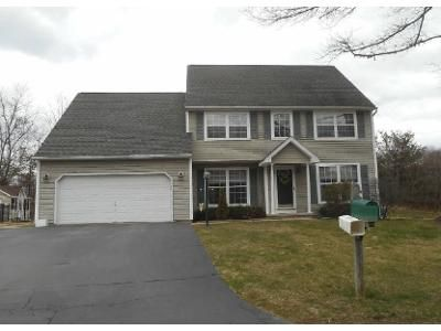 4 Bed 3 Bath Foreclosure Property in Slingerlands, NY 12159 - Seneca Ct