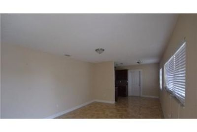 3 bedrooms Apartment - Freshly remodeled by Invitation Homes. Carport parking!