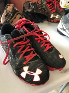 Under Armor baseball cleats