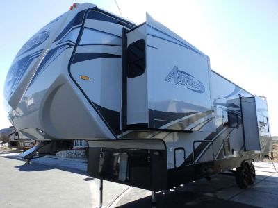 2019 Eclipse ATTITUDE 31CRSG, 2 SLIDES, 160 WATT SOLAR, DUAL A/C'S, 5500 ONAN GENERATOR, FRONT KING SIZE BED, REAR DUAL ELECTRIC BEDS