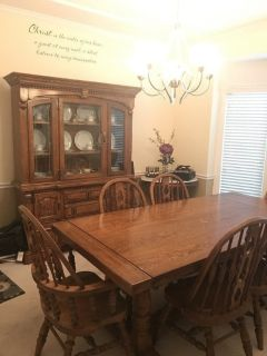 Dining room set, 6 chair. Come with 2 leafs to allow four more chairs.matching Hutch and drawers