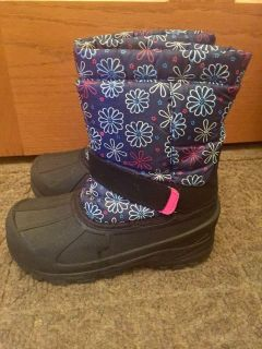 Girls Snow Boots - size 1
