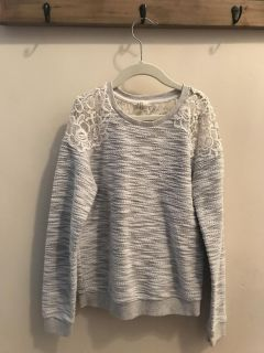 Girls Forever 21 sweater, size 9/10