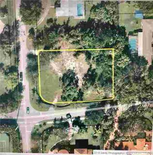 11121 SW 62nd Ave Miami, Great Pinecrest elementary corner