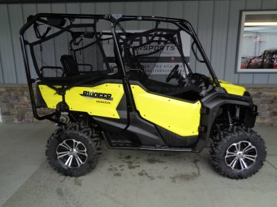 2018 Honda Pioneer 1000-5 Deluxe Side x Side Utility Vehicles Delano, MN