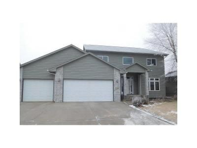 3 Bed 2.5 Bath Foreclosure Property in Sioux Falls, SD 57106 - W Chesapeake Ln