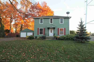 3599 Livingston Avenue Wayzata, Options galore with this 5