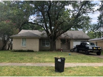 3 Bed 1.0 Bath Preforeclosure Property in Mesquite, TX 75150 - Sidney Dr