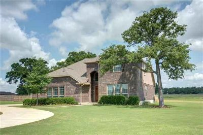 114 Mccoy CIR Bastrop Four BR, Immaculate home with soaring