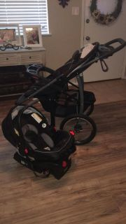 Graco travel system. Stroller, car seat and base
